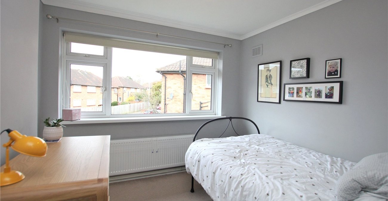 2 bedroom property for sale in London | Robinson Jackson