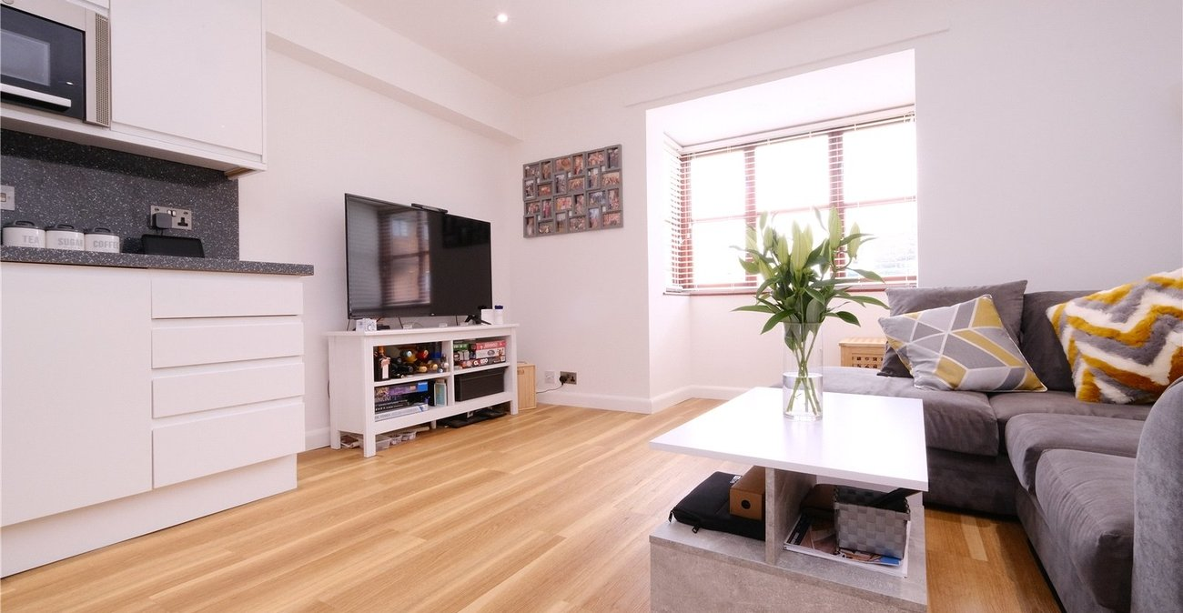 1 bedroom property for sale in Greenhithe | Robinson Jackson