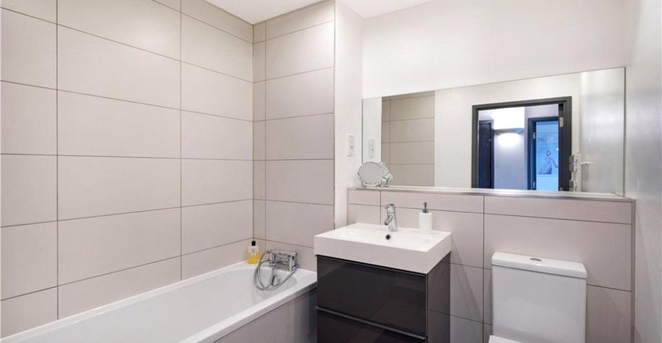 2 bedroom property for sale in Thamesmead | Robinson Jackson
