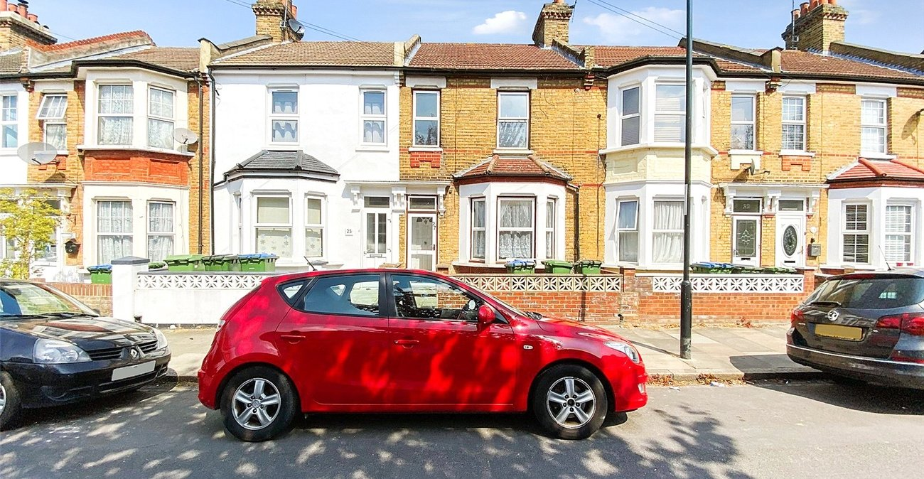 2 bedroom property to rent in Plumstead | Robinson Jackson