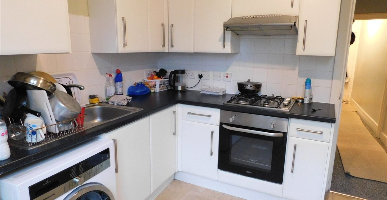 2 bedroom property to rent in Catford | Robinson Jackson
